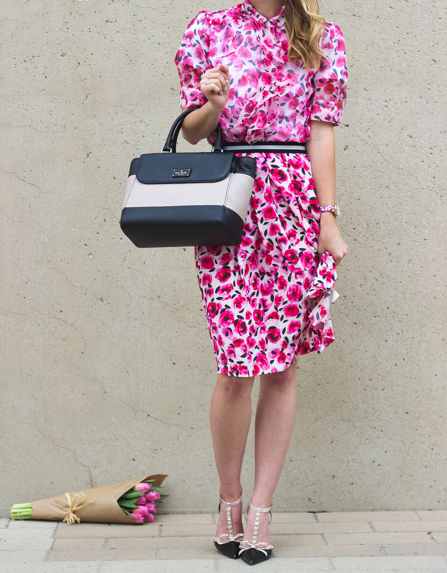 livvyland-blog-olivia-watson-austin-texas-fashion-blogger-kate-spade-broome-street-everyday-tee-white-rose-pleated-skirt-pink-black-spring-outfit-12