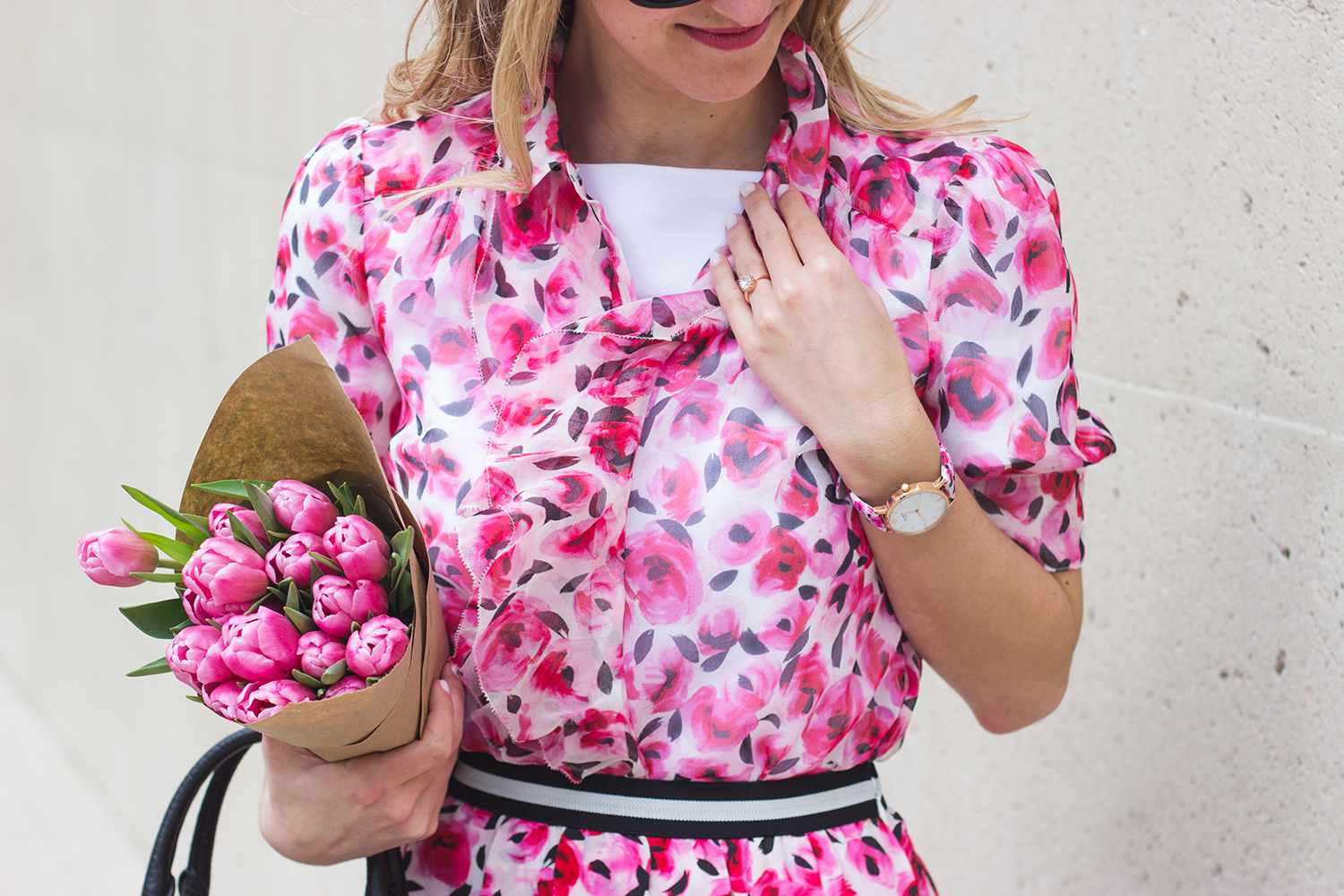 livvyland-blog-olivia-watson-austin-texas-fashion-blogger-kate-spade-broome-street-everyday-tee-white-rose-pleated-skirt-pink-black-spring-outfit-14