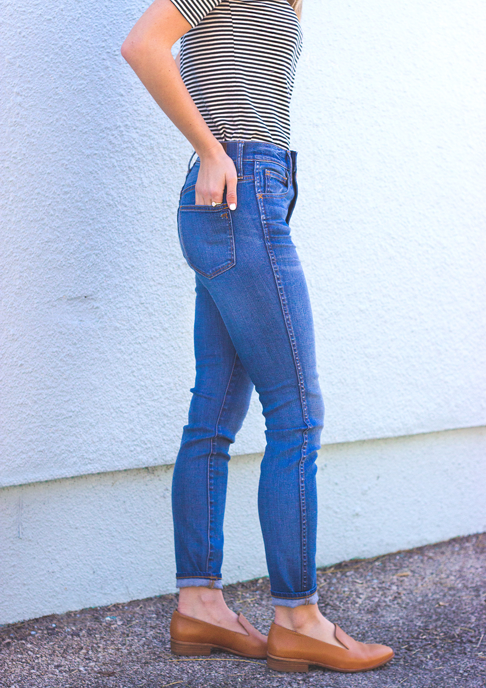 livvyland-blog-olivia-watson-austin-texas-fashion-blogger-madewell-high-riser-skinny-crop-jeans-in-bayview-tan-loafer-flats-outfit-4