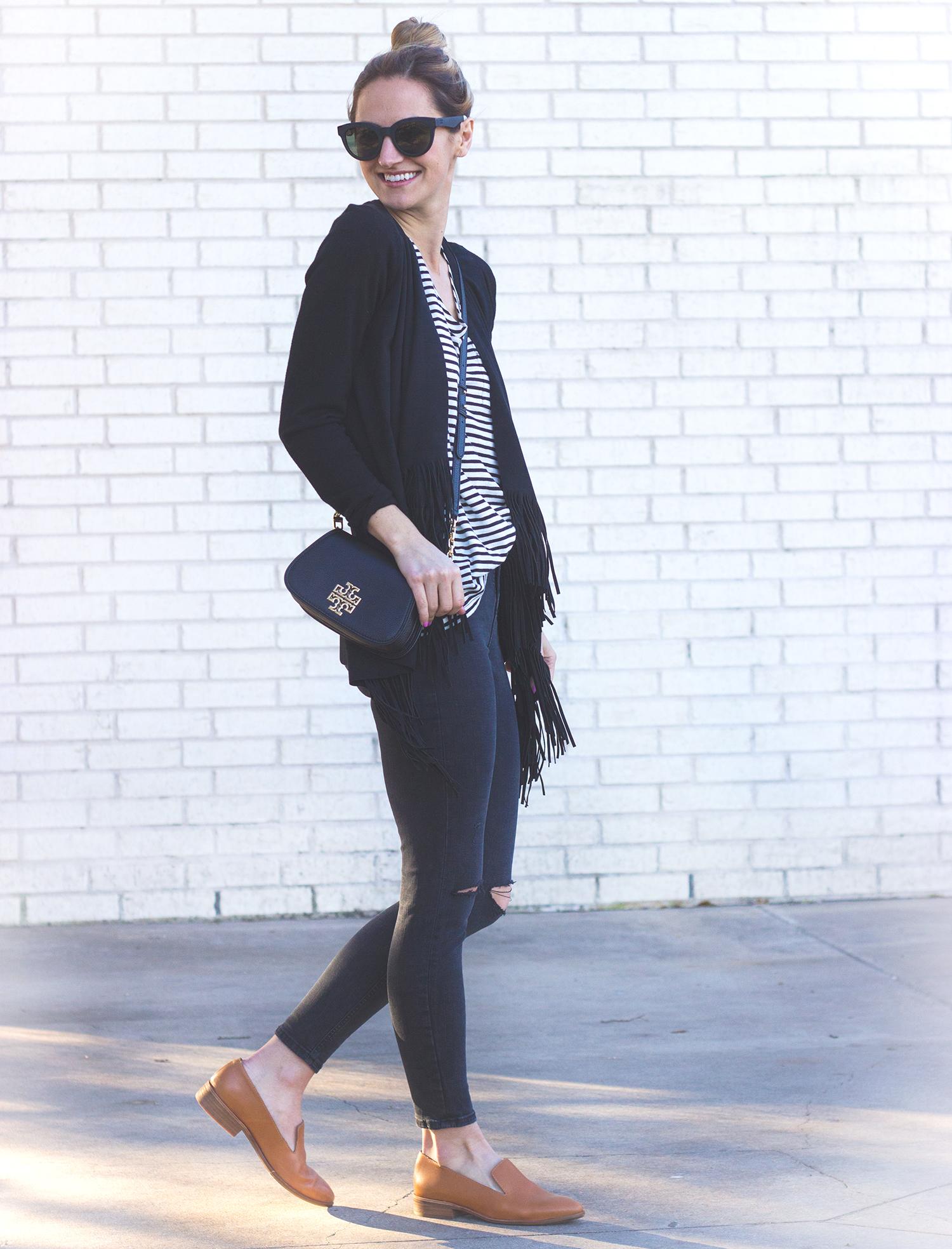 livvyland-blog-olivia-watson-austin-texas-fashion-blogger-tory-burch-britten-crossbody-bag-black-logo-far-fetch-madewell-tan-loafers-8