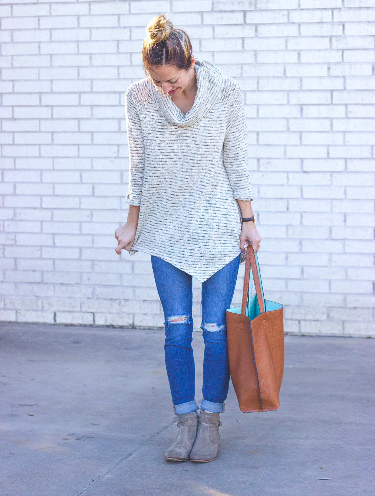 livvyland-blog-olivia-watson-cowl-neck-knit-sweater-striped-seychelles-sanctuary-taupe-booties-joes-distressed-jeans-austin-texas-fashion-blogger-2