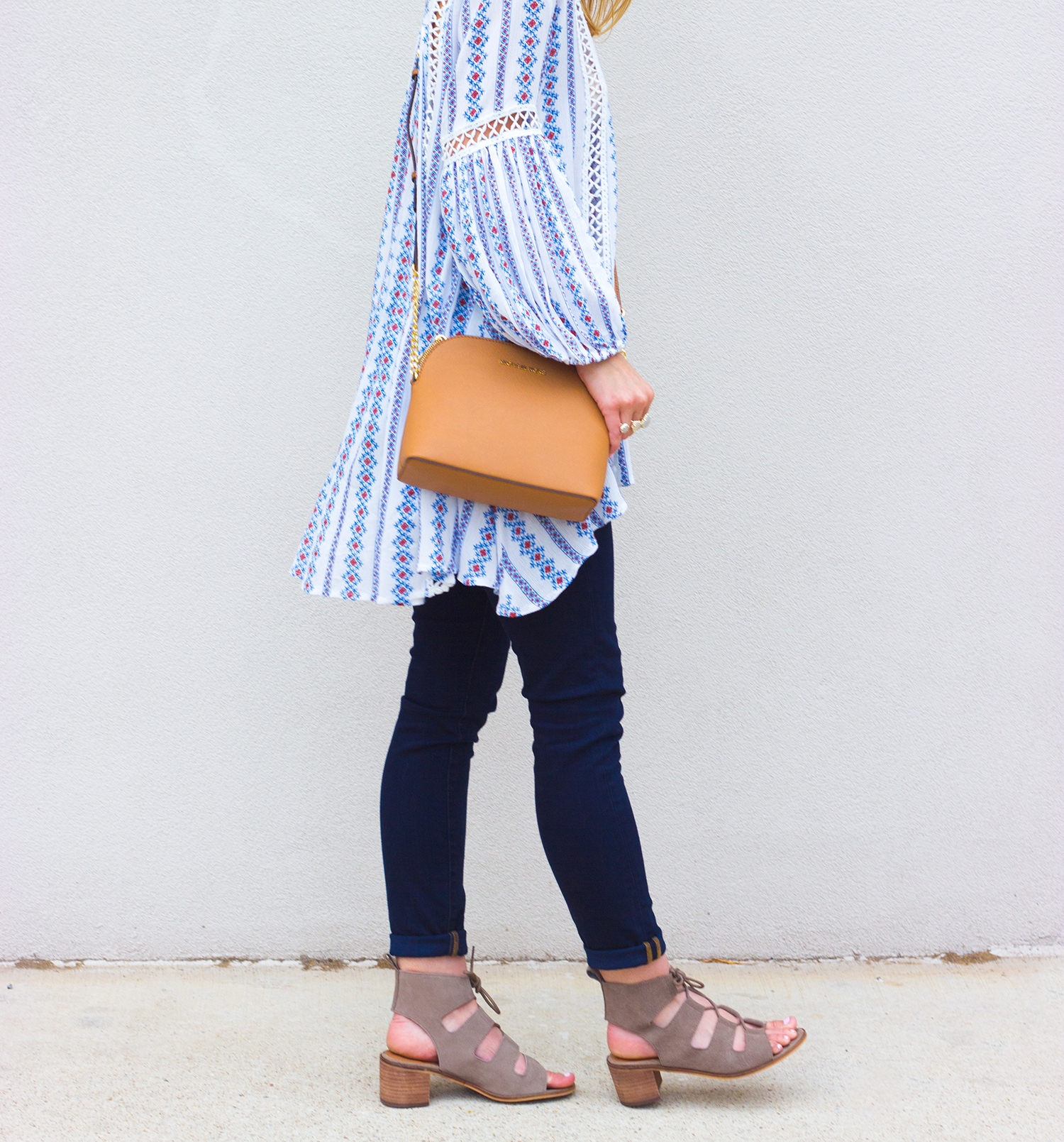 livvyland-blog-olivia-watson-boho-printed-oversize-tunic-chicwish-rebecca-minkoff-dark-wash-skinny-jeans-olivia-watson-austin-texas-fashion-blogger-steve-madden-roslyn-lace-up-sandals-4