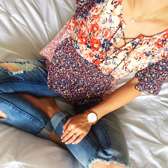 livvyland-blog-olivia-watson-austin-texas-fashion-blogger-anthropologie-floral-mixed-prints-lace-up-front-top-distressed-skinny-jeans