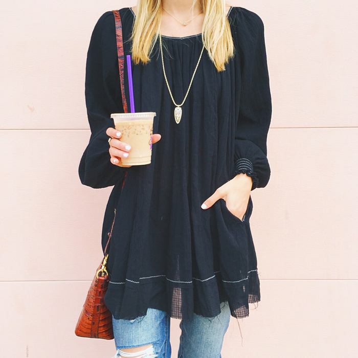 livvyland-blog-olivia-watson-austin-texas-fashion-blogger-black-oversize-tunic-chicwish