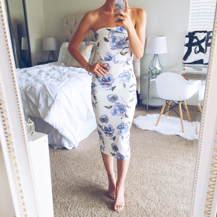 livvyland-blog-olivia-watson-austin-texas-fashion-blogger-floral-print-body-con-dress-astr