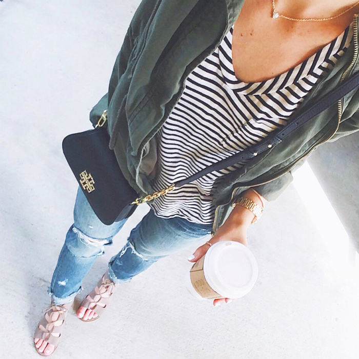 livvyland-blog-olivia-watson-austin-texas-fashion-blogger-stripe-shirt-tory-burch-britten-casual-cool-outfit