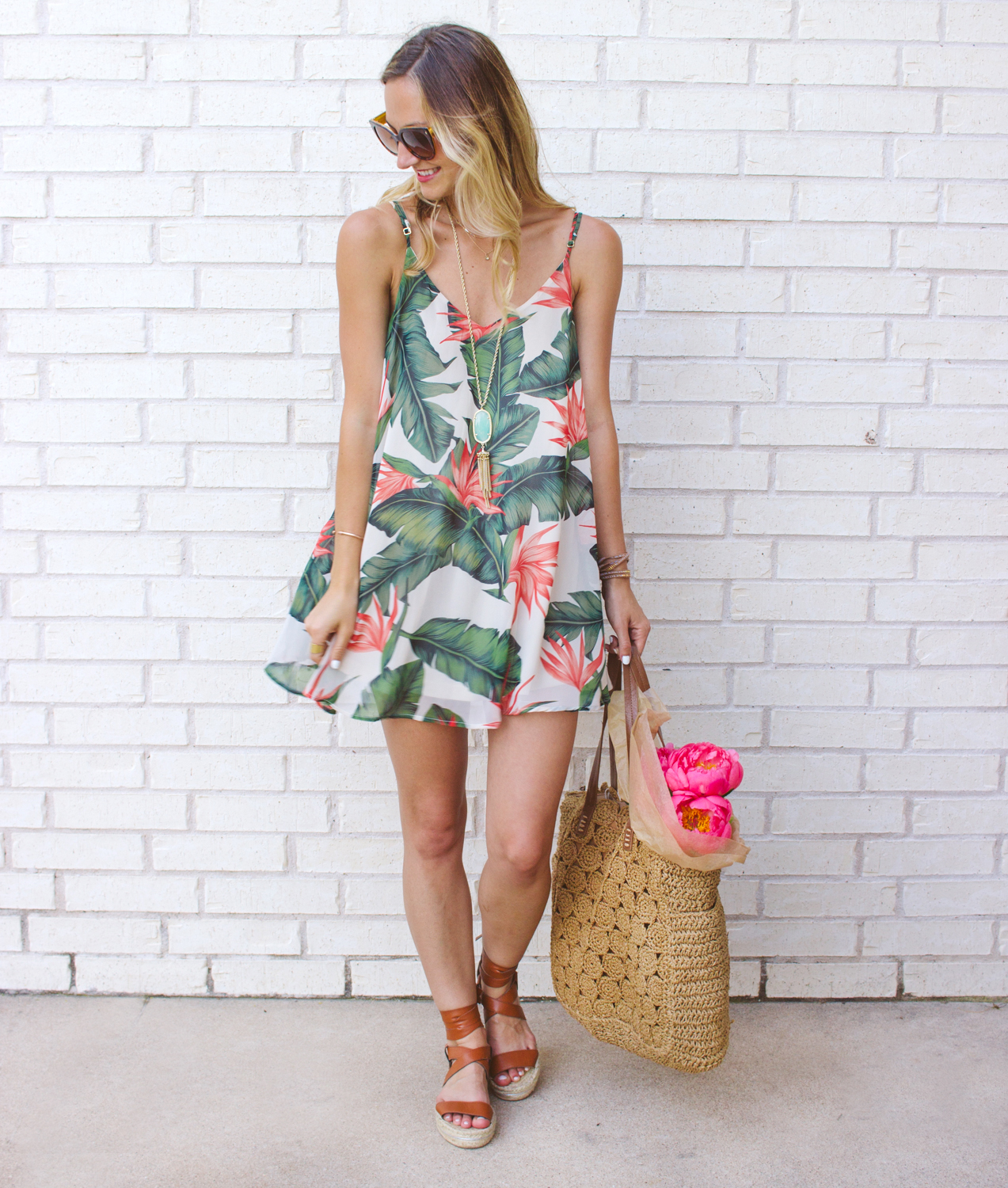 livvyland-blog-austin-texas-fashion-blogger-show-me-your-mumu-palm-print-circus-mini-dress-summer-outfit-colorful-4