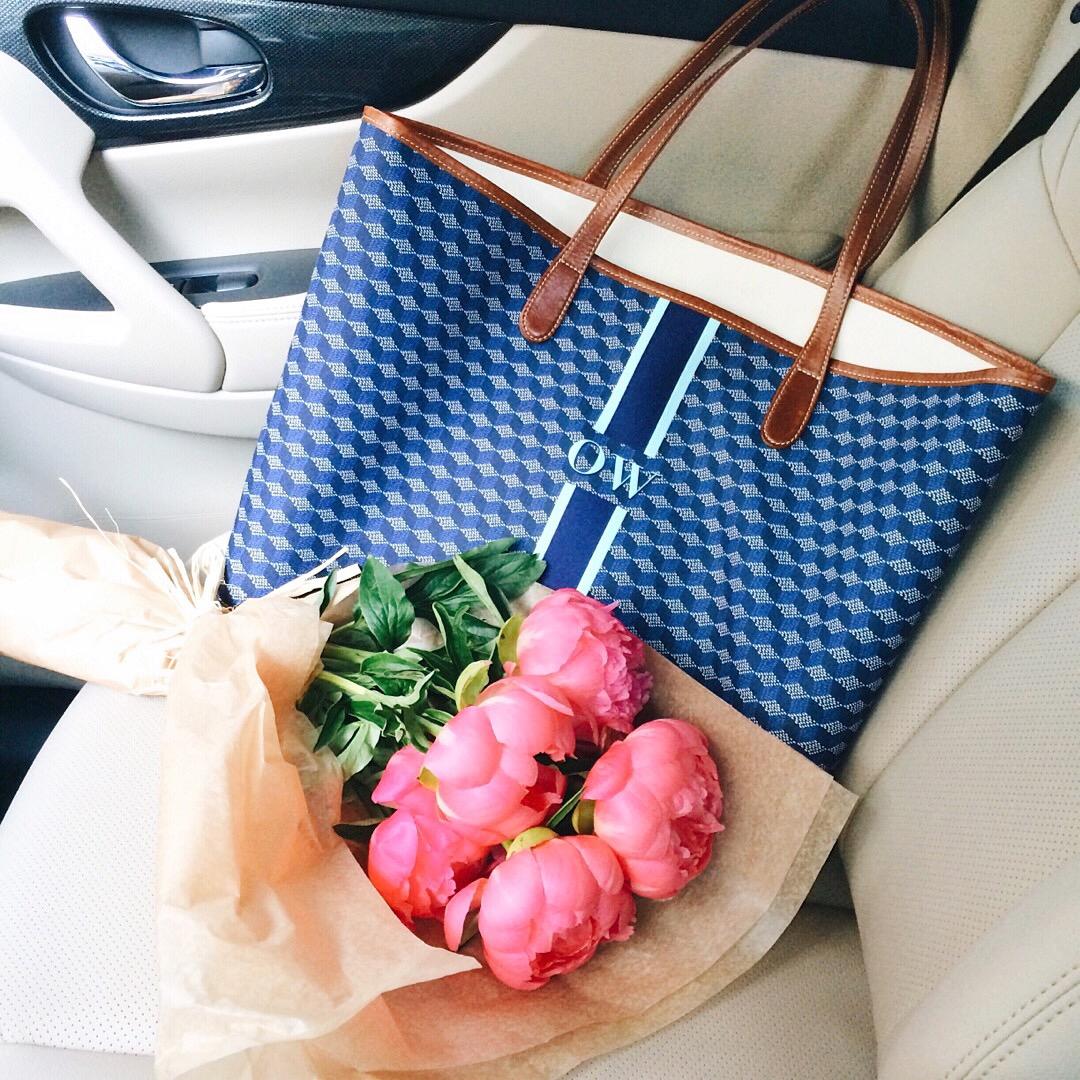 livvyland-blog-olivia-watson-austin-texas-fashion-blogger-barrington-gifts-monogram-tote-bag-pink-peonies