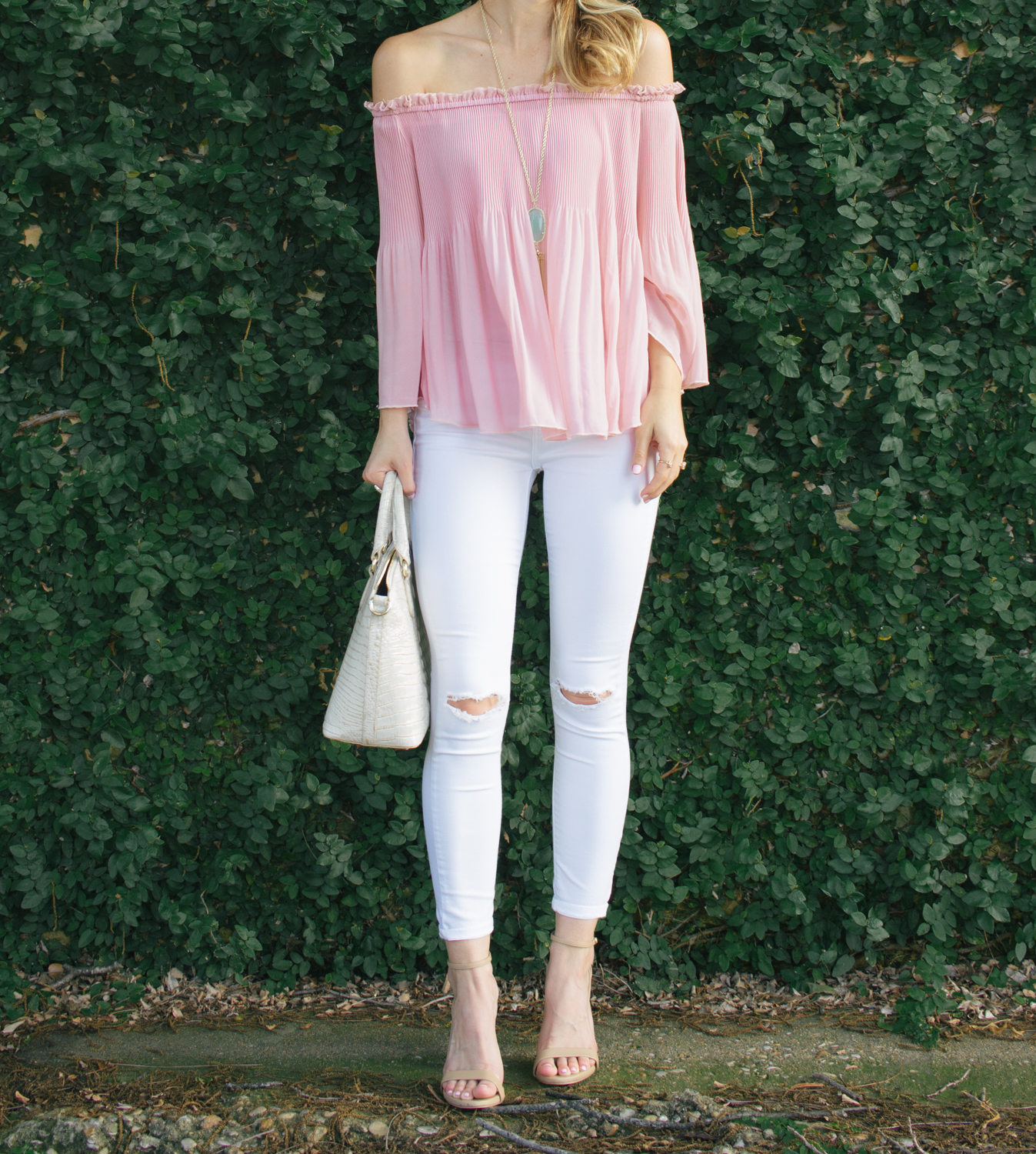 livvyland-blog-olivia-watson-austin-texas-fashion-blogger-blush-pink-off-shoulder-top-topshop-white-skinny-jeans-date-night-outfit-summer-3