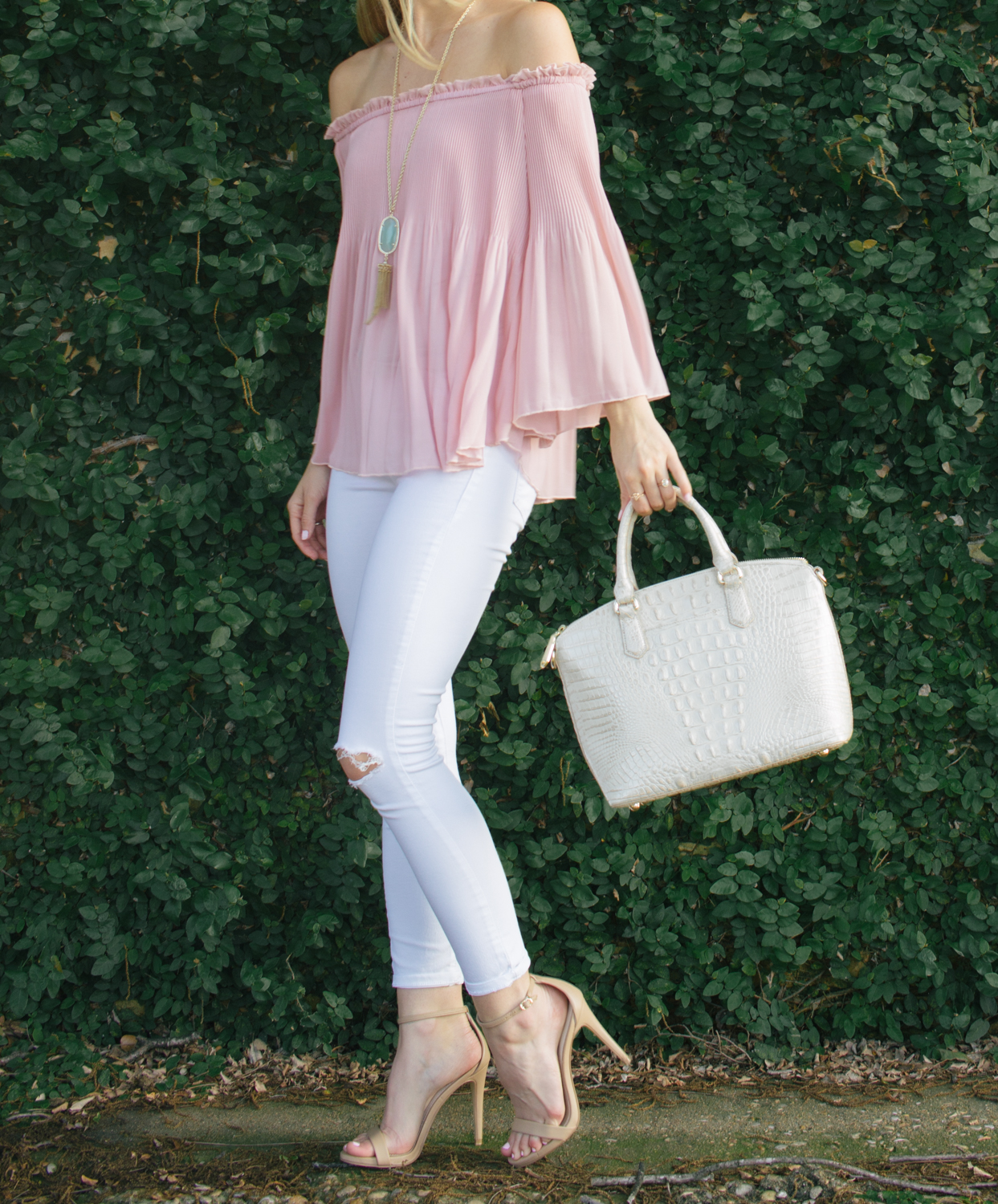 livvyland-blog-olivia-watson-austin-texas-fashion-blogger-blush-pink-off-shoulder-top-topshop-white-skinny-jeans-date-night-outfit-summer-5