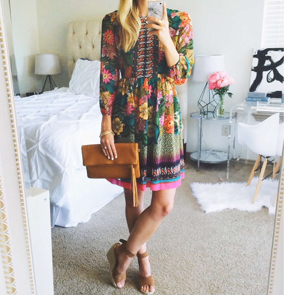 livvyland-blog-olivia-watson-austin-texas-fashion-blogger-donna-morgan-floral-dress-selfie