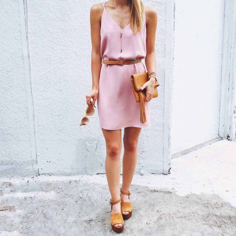 livvyland-blog-olivia-watson-austin-texas-fashion-blogger-topshop-blush-strappy-back-dress-gigi-new-york-tassel-clutch-seychelles-wedge-sandals