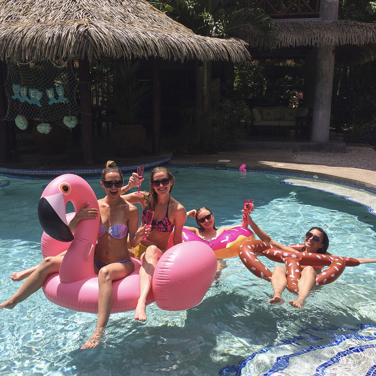 livvyland-blog-olivia-watson-costa-rica-bachelorette-destination-vacation-getaway-beach-where-to-go-big-group-mermaid-party-nosara-casa-de-alces-inflatable-flamingo