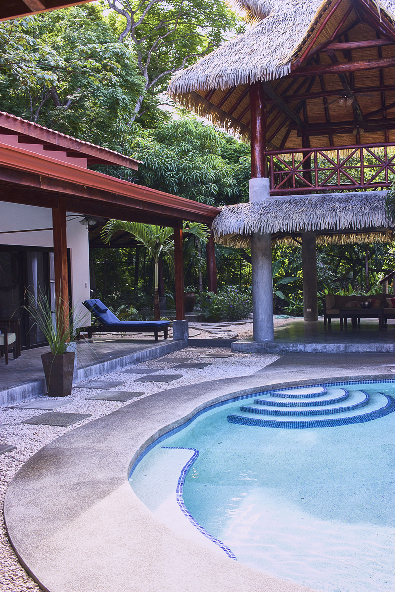 livvyland-blog-olivia-watson-costa-rica-bachelorette-destination-vacation-getaway-beach-where-to-go-big-group-mermaid-party-nosara-casa-de-alces-pool-3