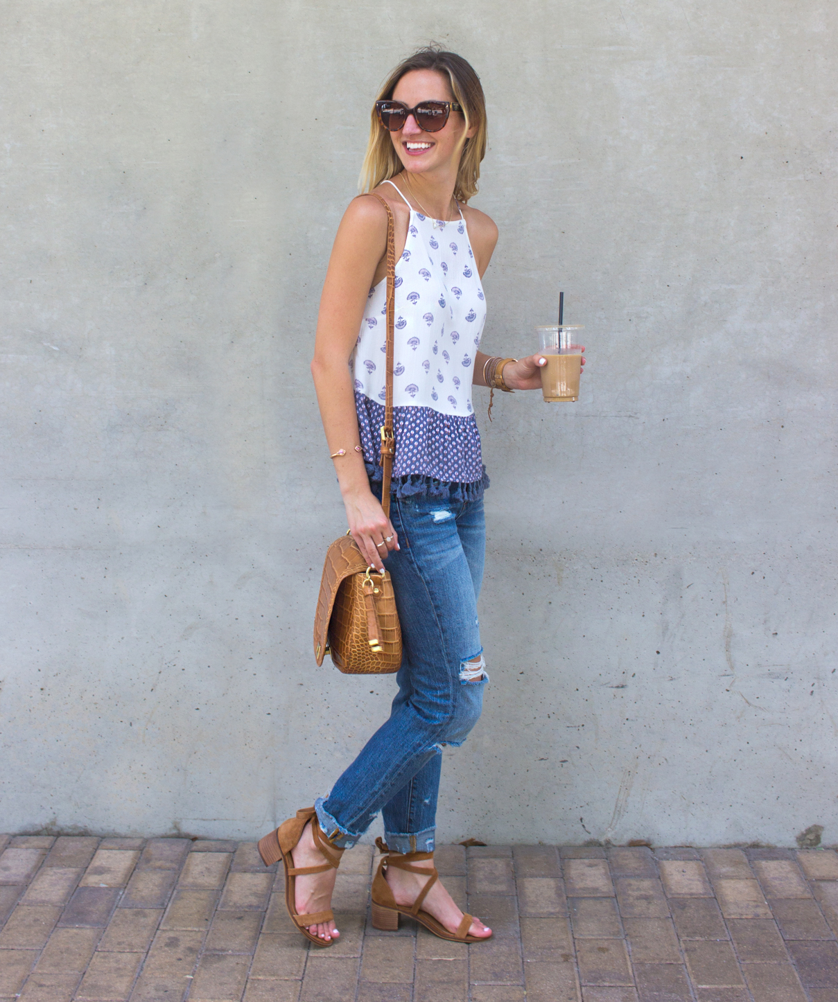 livvyland-blog-olivia-watson-vandi-fair-w-hotel-atx-staycation-stay-cation-austin-texas-fashion-travel-blogger-hotel-review-coffee-run-outfit-abercrombie-tassel-trim-tank