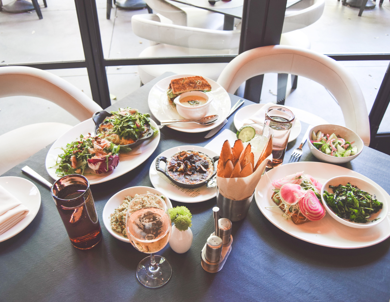 livvyland-blog-olivia-watson-vandi-fair-w-hotel-atx-staycation-stay-cation-austin-texas-fashion-travel-blogger-hotel-review-trace-restaurant-bar-lunch-1