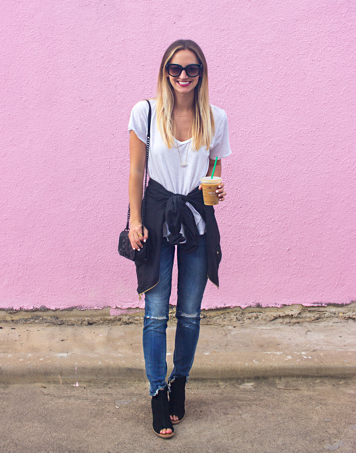 livvyland-blog-olivia-watson-austin-texas-coffee-date-express-frayed-ankle-denim-3
