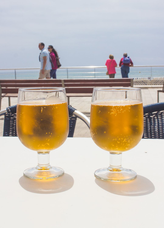 livvyland-blog-olivia-watson-mediterranean-princess-cruise-barcelona-le-sitges-spain-9-beer