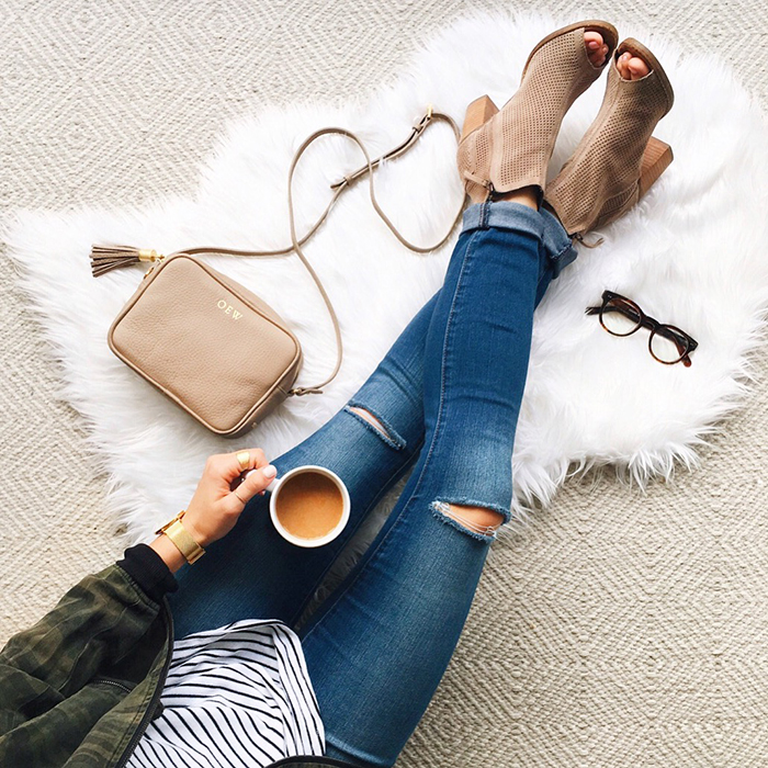 livvyland-blog-olivia-watson-austin-texas-fashion-blogger-coffee-sheepskin-rug-toms-majorca-booties-gigi-new-york-tassel-madison-handbag-fall-outfit