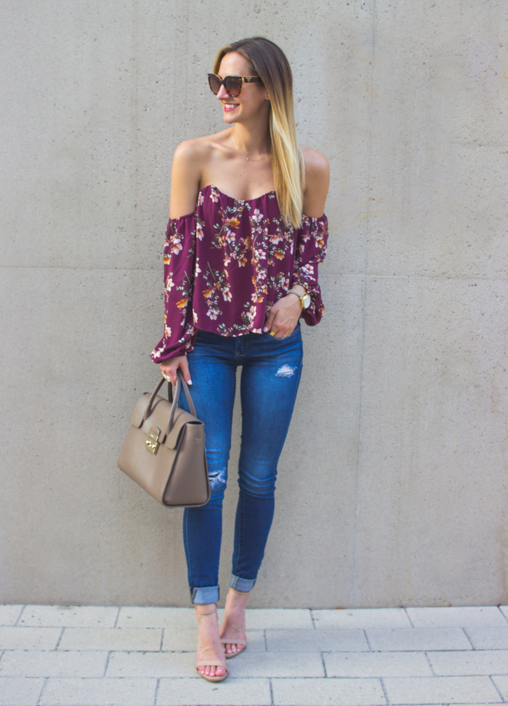 livvyland-blog-olivia-watson-austin-texas-fashion-blogger-off-shoulder-boustier-top-4si3nna-floral-blank-nyc-nordstrom-skinny-jeans-4