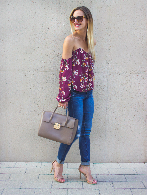 livvyland-blog-olivia-watson-austin-texas-fashion-blogger-off-shoulder-boustier-top-4si3nna-floral-blank-nyc-nordstrom-skinny-jeans-6