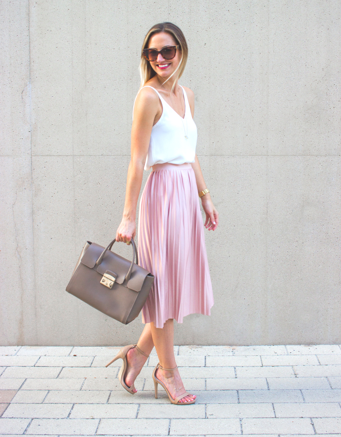 livvyland-blog-olivia-watson-topshop-blush-pink-pleated-high-waist-skirt-white-top-girly-feminine-outfit-2