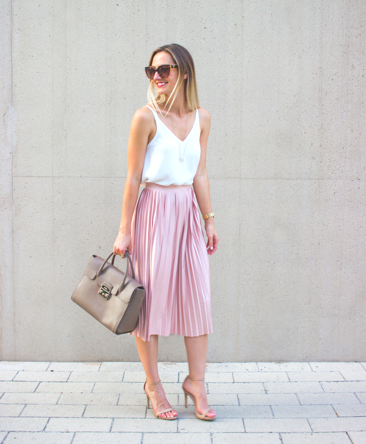 livvyland-blog-olivia-watson-topshop-blush-pink-pleated-high-waist-skirt-white-top-girly-feminine-outfit-3