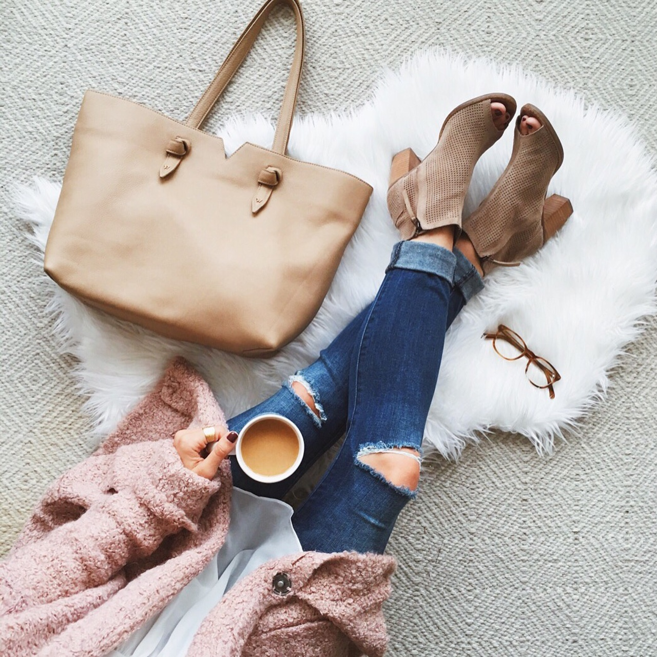 livvyland-blog-olivia-watson-ankle-peep-toe-toms-majorca-booties-free-people-blush-pink-chunky-knit-cardigan