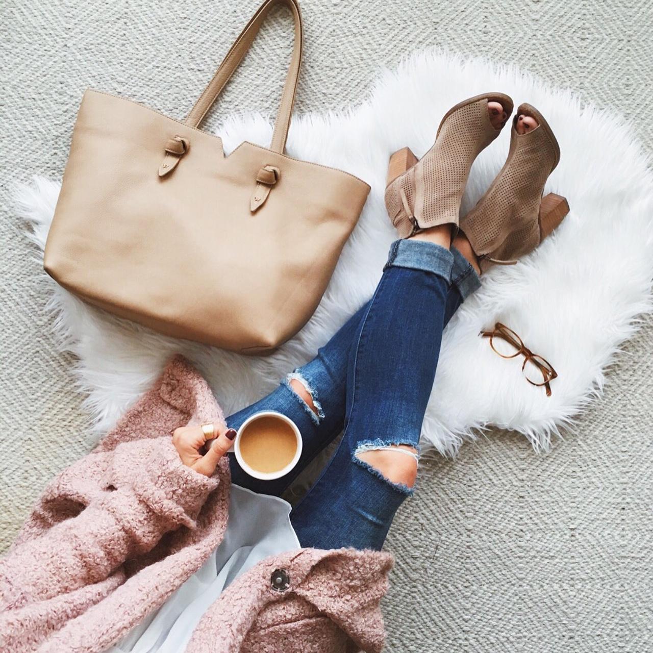 livvyland-blog-olivia-watson-ankle-peep-toe-toms-majorca-booties-free-people-blush-pink-chunky-knit-cardigan