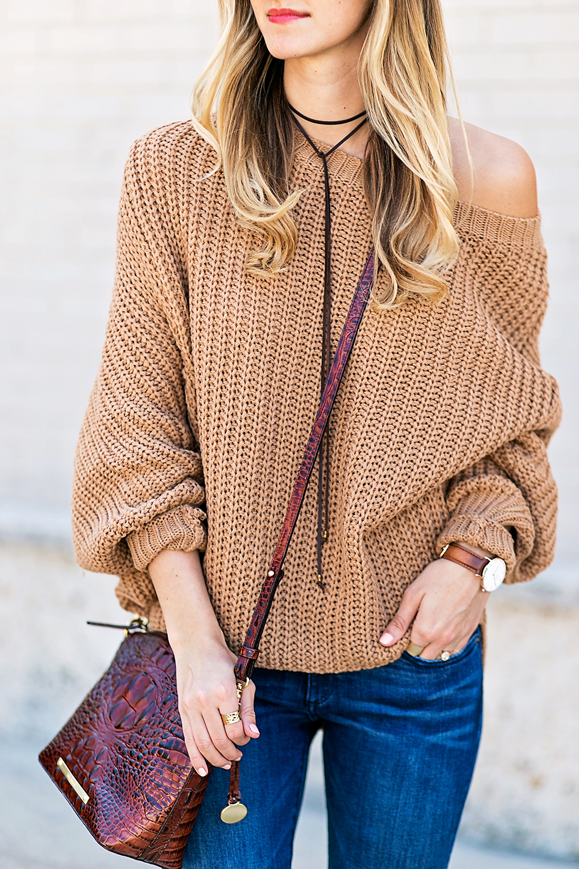 livvyland-blog-olivia-watson-slouchy-oversize-knit-sweater-minnetonka-el-paso-ii-moccasin-boho-outfit-2
