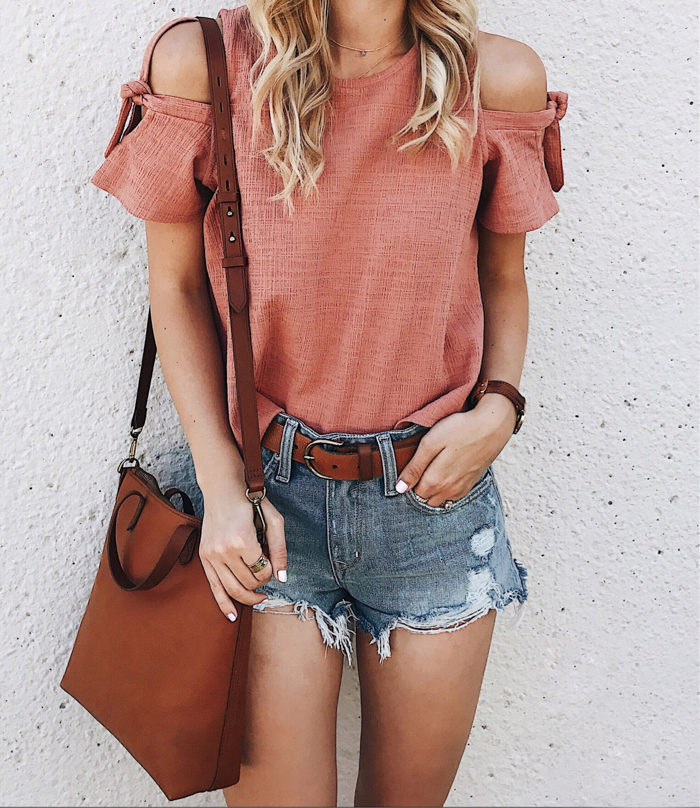 1-livvyland-blog-olivia-watson-summer-oufit-madewell-cold-shoulder-coral-top