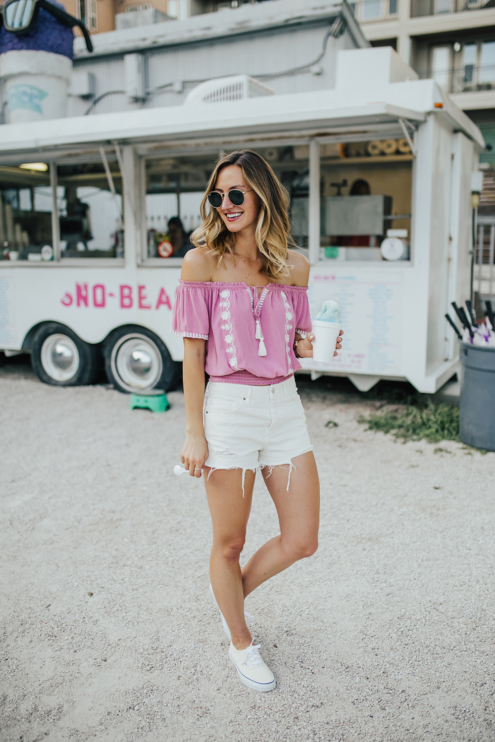 livvyland-blog-olivia-watson-austin-texas-fashion-blogger-pacsun-mom-shorts-off-white-vans-sneakers-sno-beach-snow-cone-4