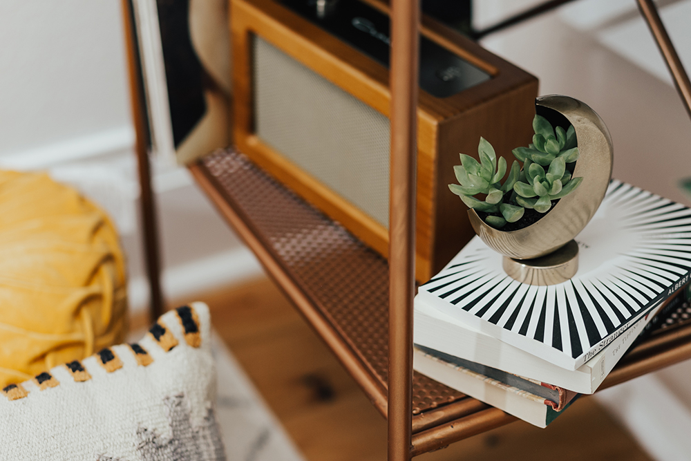 livvyland-blog-olivia-watson-austin-texas-fashion-blogger-urban-outfitters-record-player-nook-room-setup-holder-interior-boho-succulent-half-moon-planter