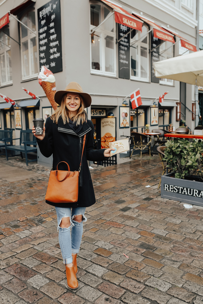 livvyland-blog-olivia-watson-copenhagen-denmark-colorful-street-buildings-scandinavia-baltic-sea-cruise-what-to-wear-pack-may-june-waffle