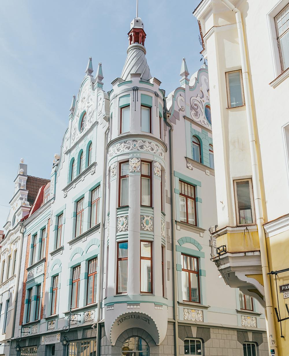 livvyland-blog-olivia-watson-fashion-travel-blogger-princess-cruises-scandinavia-northern-europe-what-to-do-wear-tallinn-estonia-3