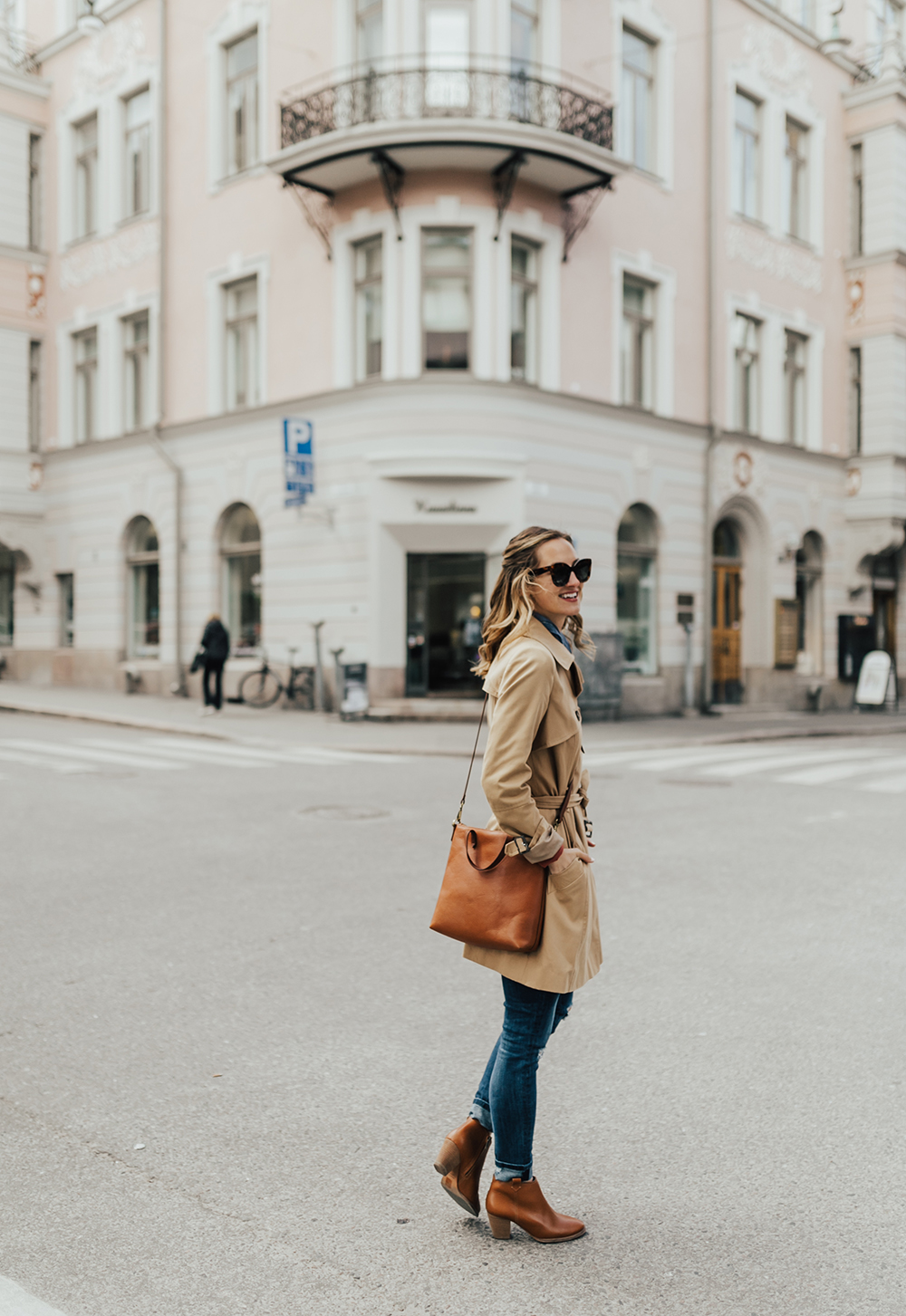 livvyland-blog-olivia-watson-helsinki-princess-cruise-scandinavia-baltic-sea-helsinki-finland-trench-coat-ankle-booties