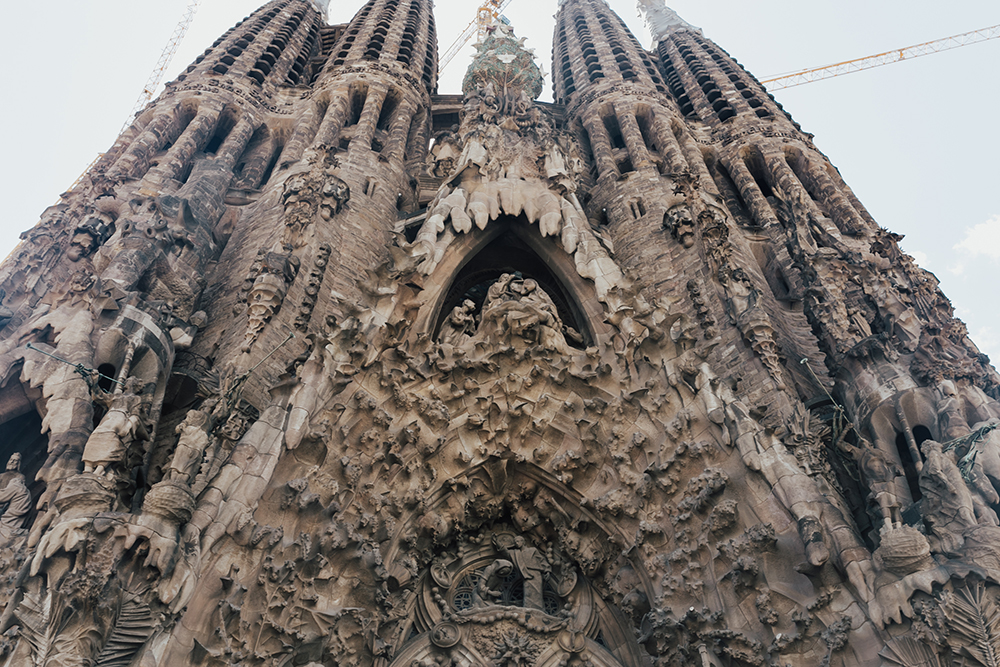 livvyland-blog-olivia-watson-fashion-travel-blogger-barcelona-spain-goudi-la-sagrada-familia-cathedral