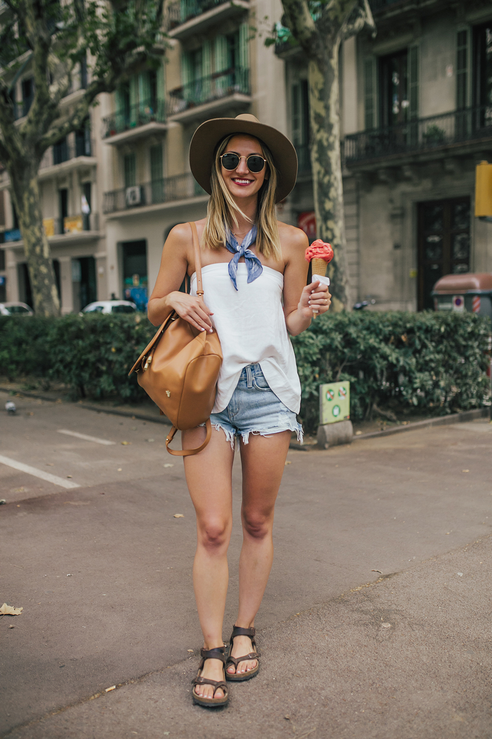 livvyland-blog-olivia-watson-fashion-travel-blogger-barcelona-spain-outfit-summer-what-to-wear