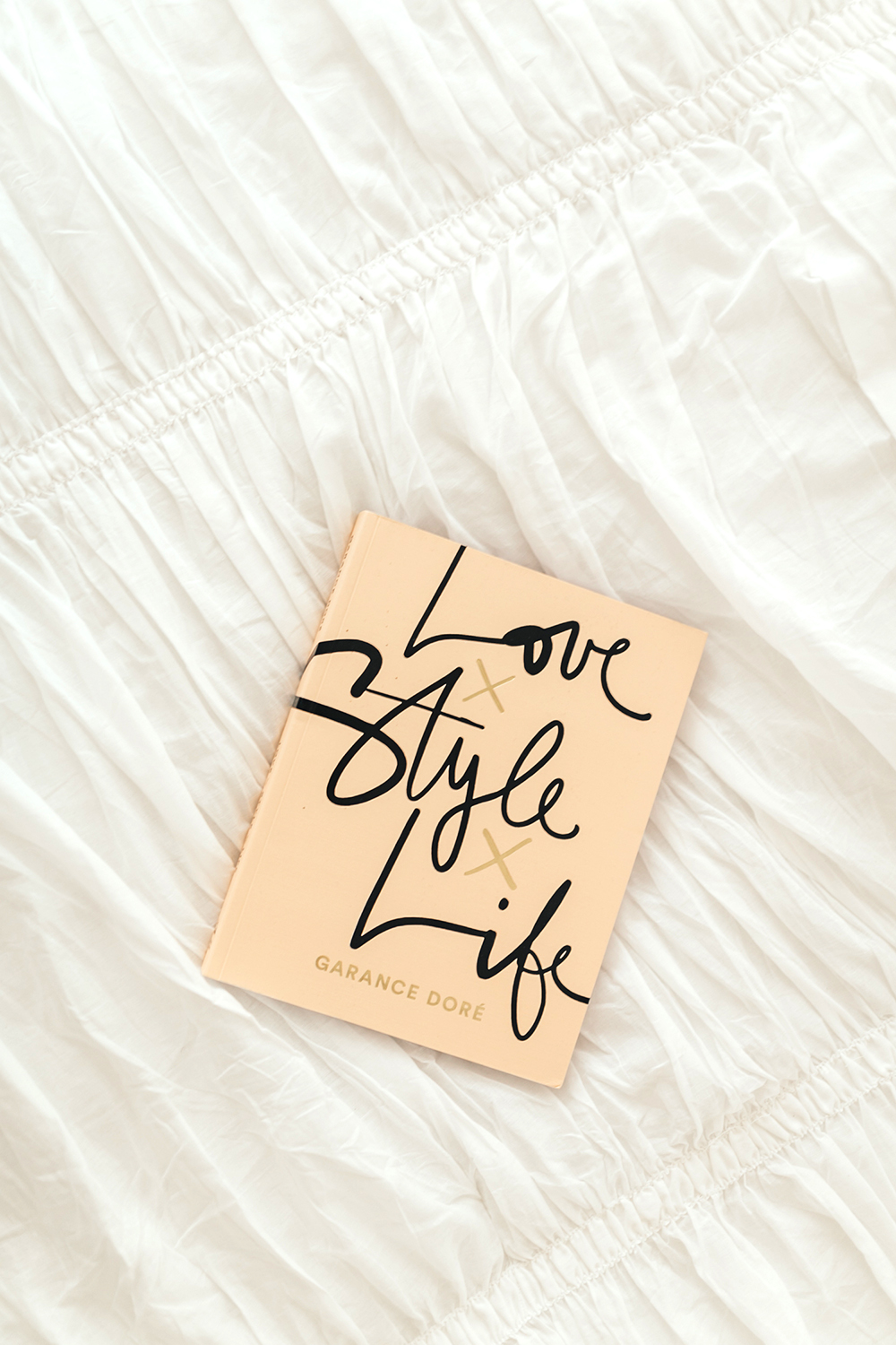 livvyland-blog-olivia-watson-bedroom-bedding-decor-decoration-blush-white-interiors-love-life-style-urban-outfitters-1