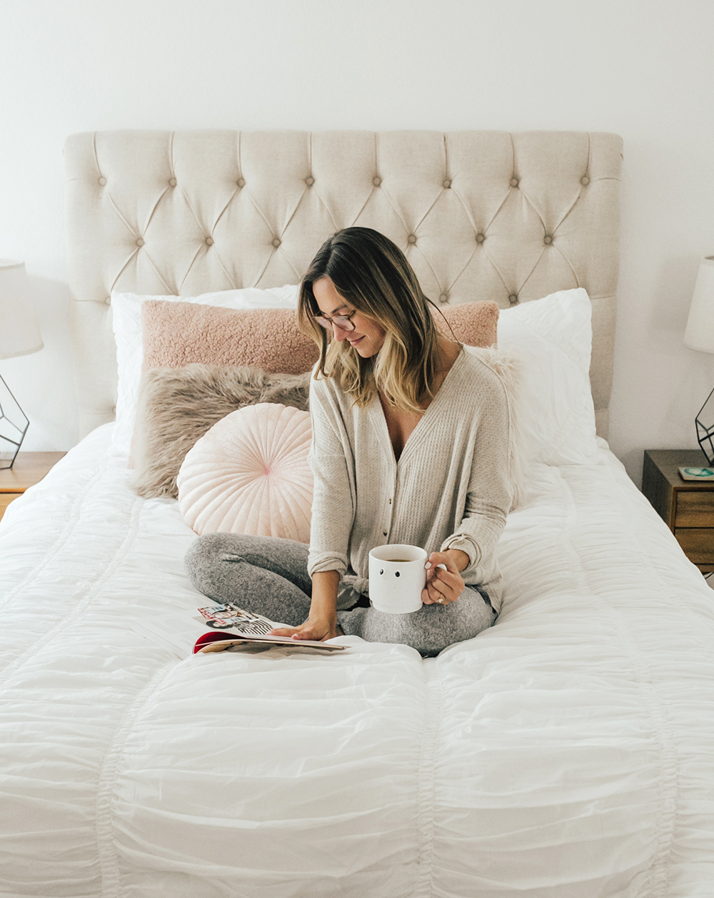 livvyland-blog-olivia-watson-bedroom-bedding-decor-decoration-blush-white-interiors-urban-outfitters-3