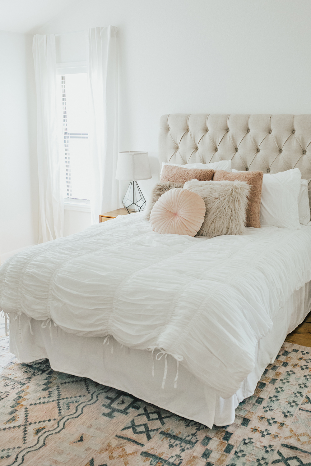 livvyland-blog-olivia-watson-bedroom-bedding-decor-decoration-blush-white-interiors-urban-outfitters-6