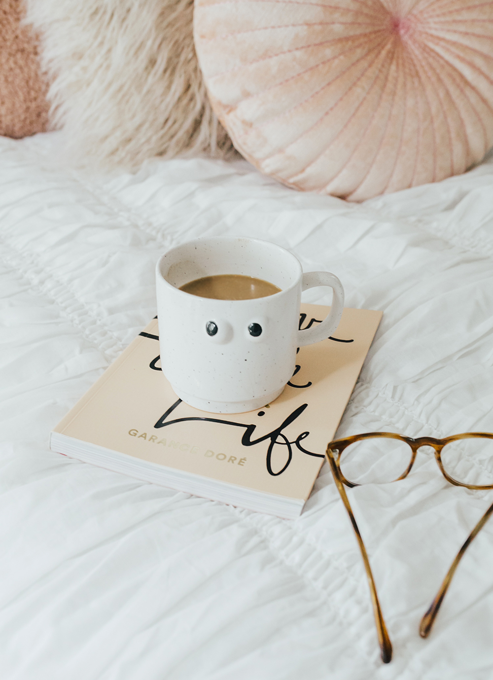 livvyland-blog-olivia-watson-bedroom-bedding-decor-decoration-blush-white-interiors-urban-outfitters-7
