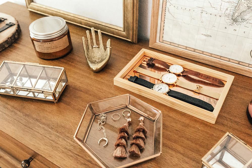livvyland-blog-olivia-watson-urban-outfitters-dresser-trinket-jewelry-storage-dainty-bohemian-setup-3