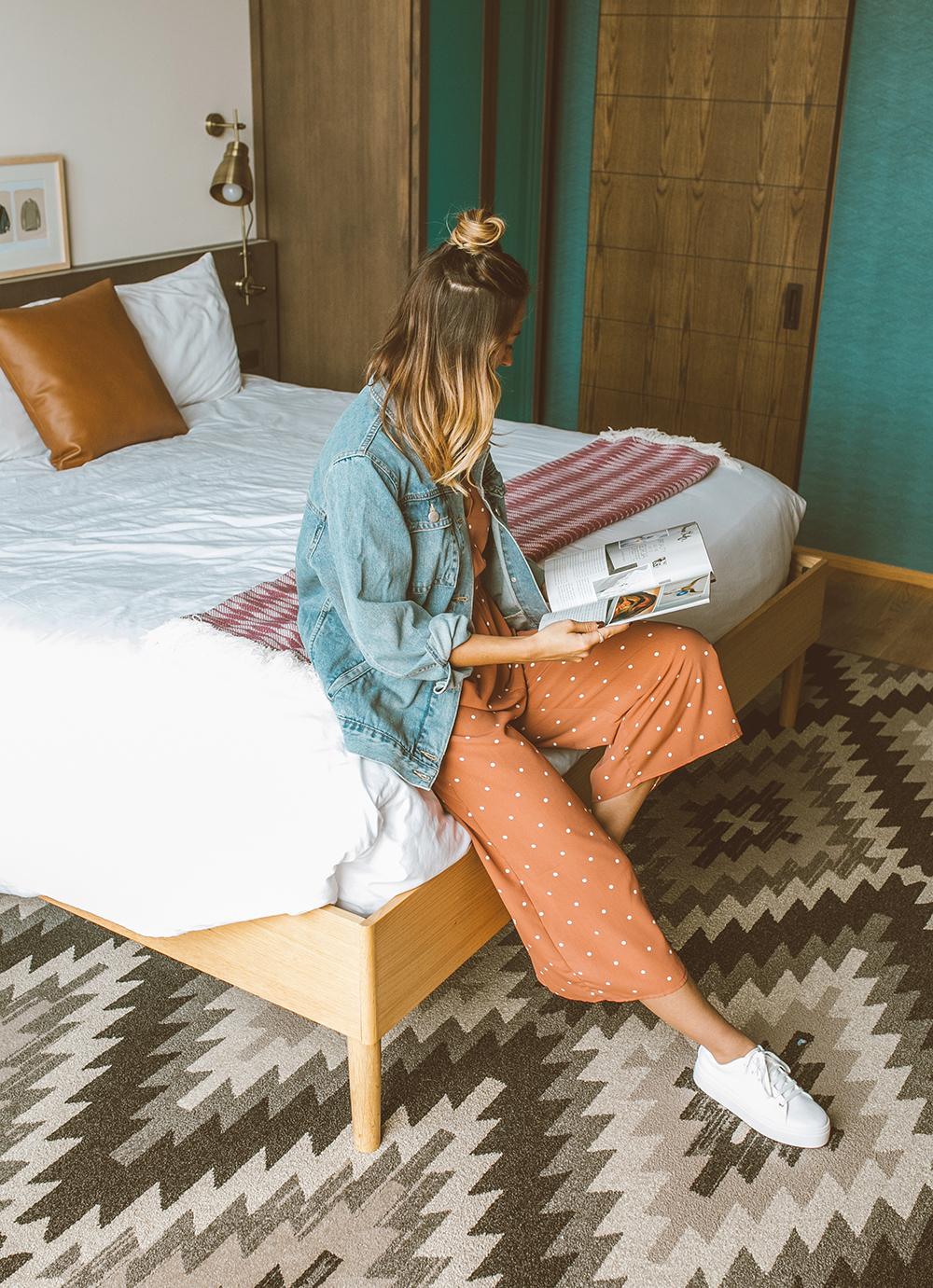 livvyland-blog-olivia-watson-asos-el-paso-hotel-indigo-what-to-wear-pink-jumpsuit-10