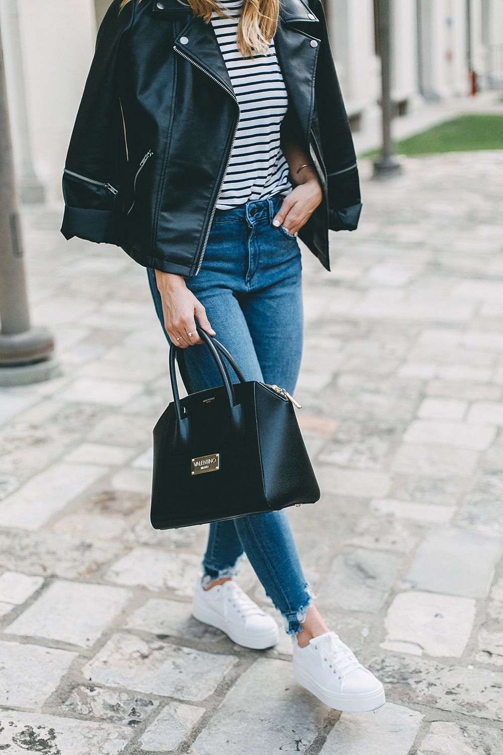 livvyland-blog-olivia-watson-stripe-top-leather-moto-jacket-platform-sneakers-16