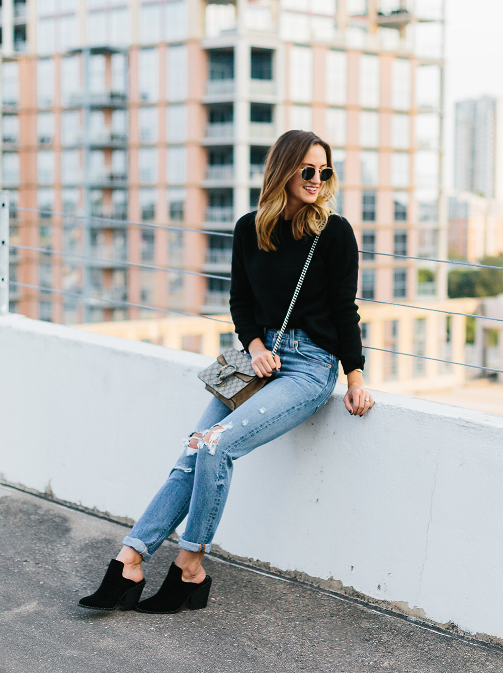 livvyland-blog-olivia-watson-topshop-black-knit-sweater-cozy-slip-on-black-boho-mules-levis-501-1