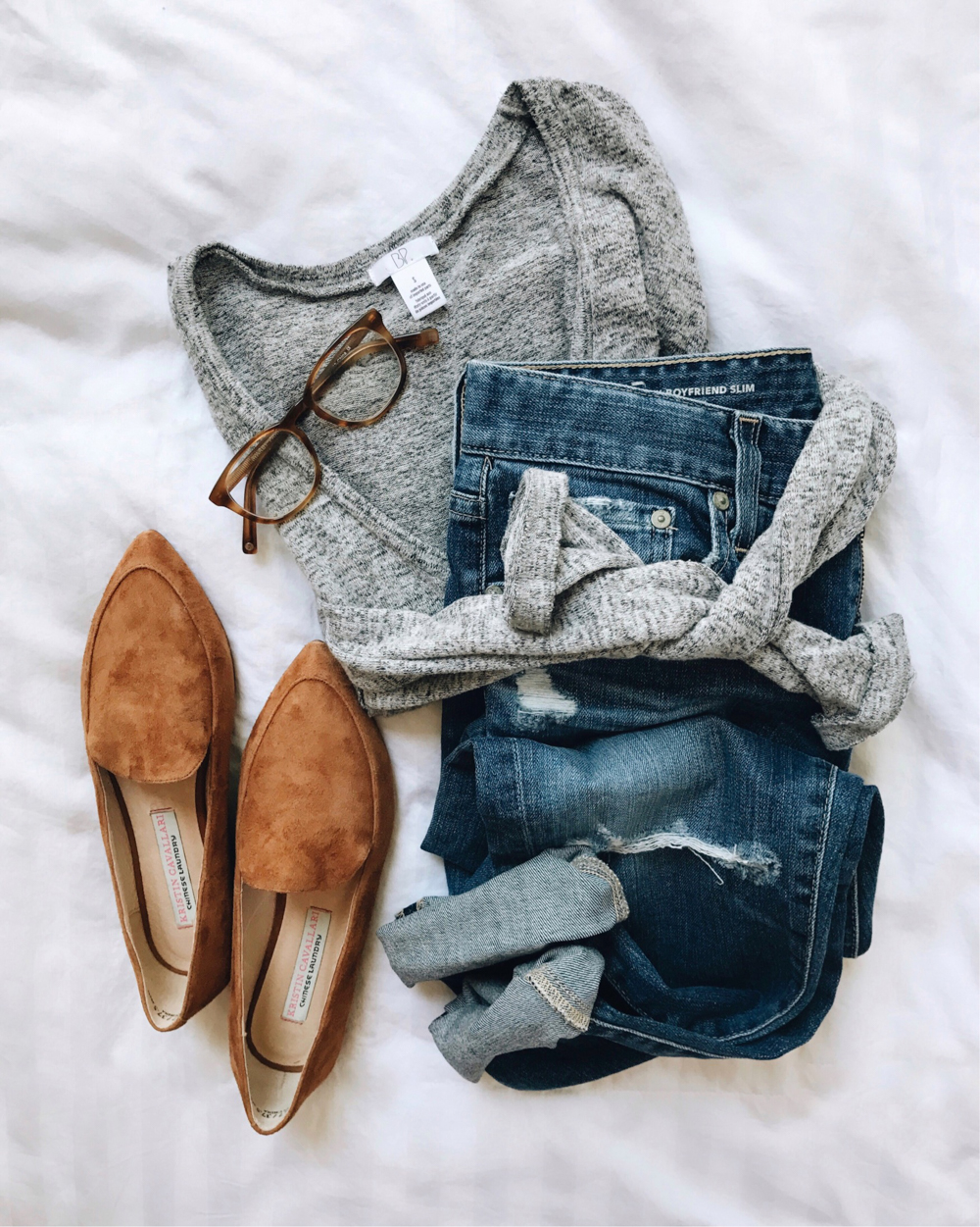 livvyland-blog-olivia-watson-fall-outfit-bp-grey-sweater-tan-pointed-toe-flats-boyfriend-jeans