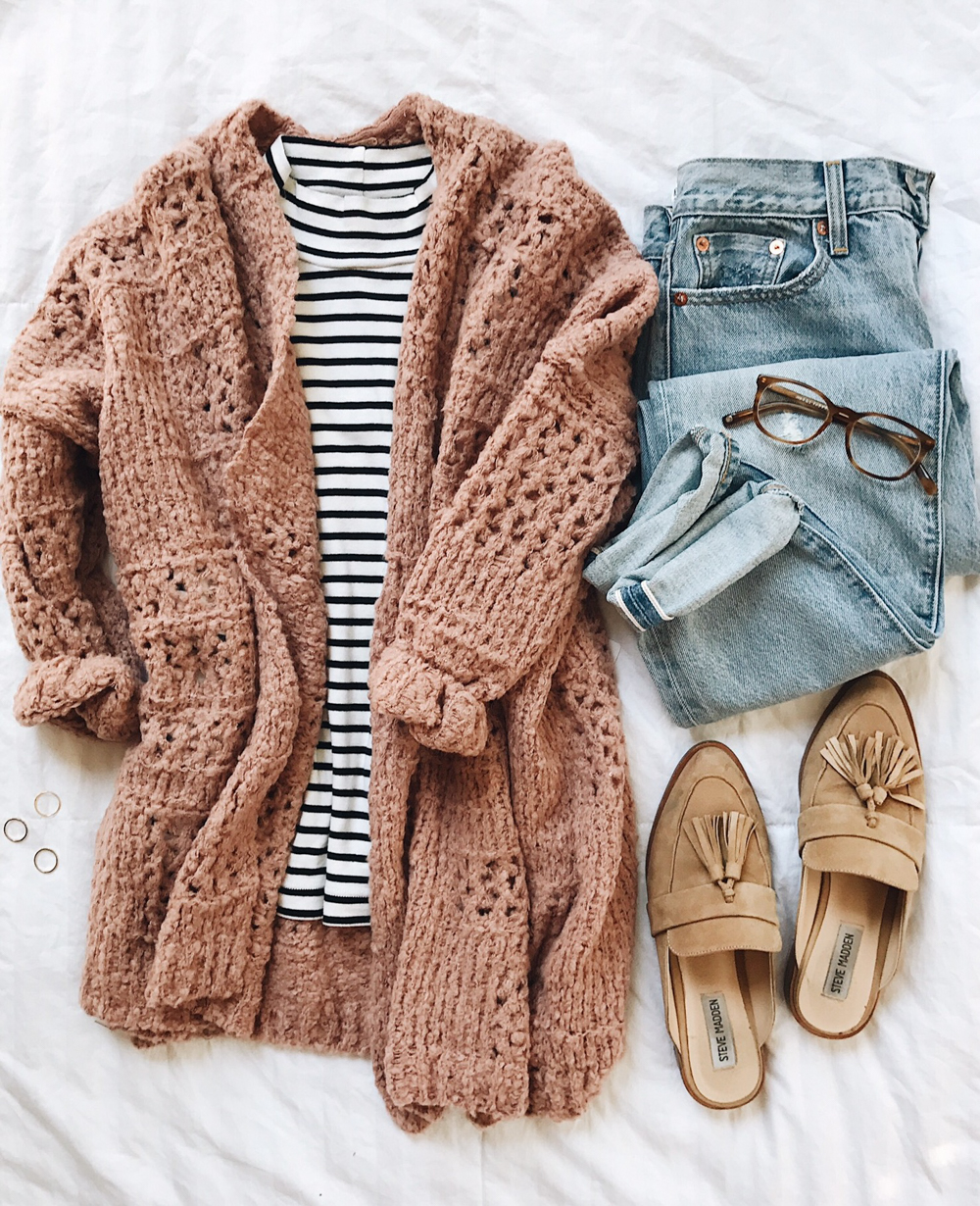 livvyland-blog-olivia-watson-fall-outfit-idea-blush-pink-free-people-cardigan-striped-tee-backless-loafer-slides
