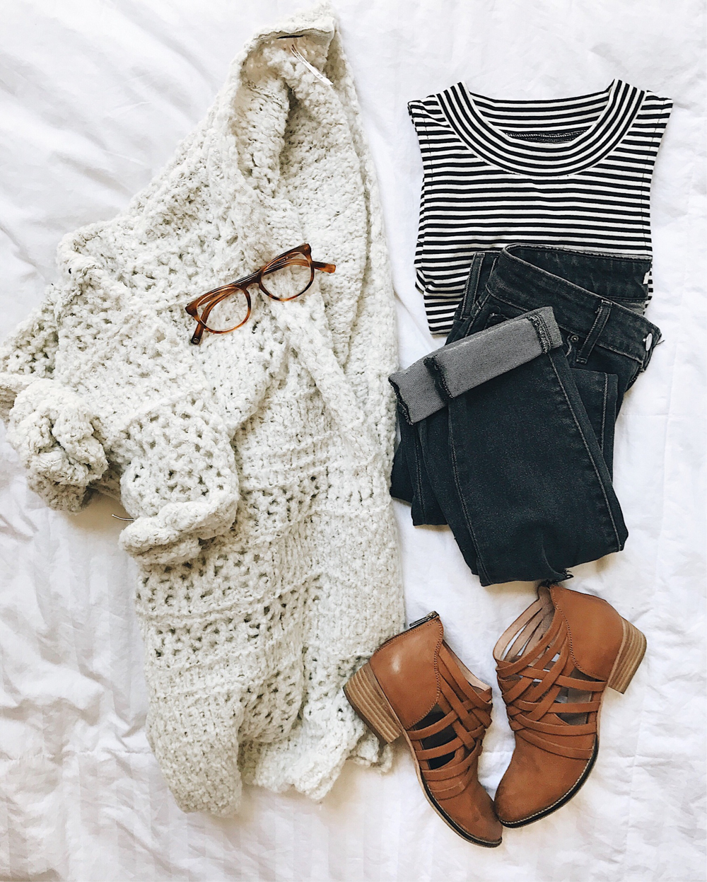 livvyland-blog-olivia-watson-fall-outfit-idea-cream-cardigan-oversize-knit-striped-tank-seychelles-bohemian-ankle-booties