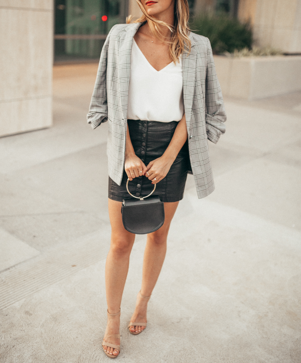 livvyland-blog-olivia-watson-fall-outfit-leather-mini-skirt-harringbone-blazer
